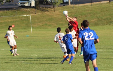 Soccer team shows progress in loss to Ladue