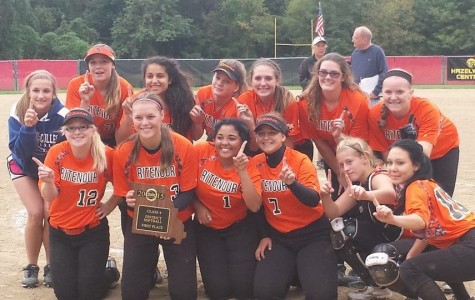 Softball team wins districts for second year in a row