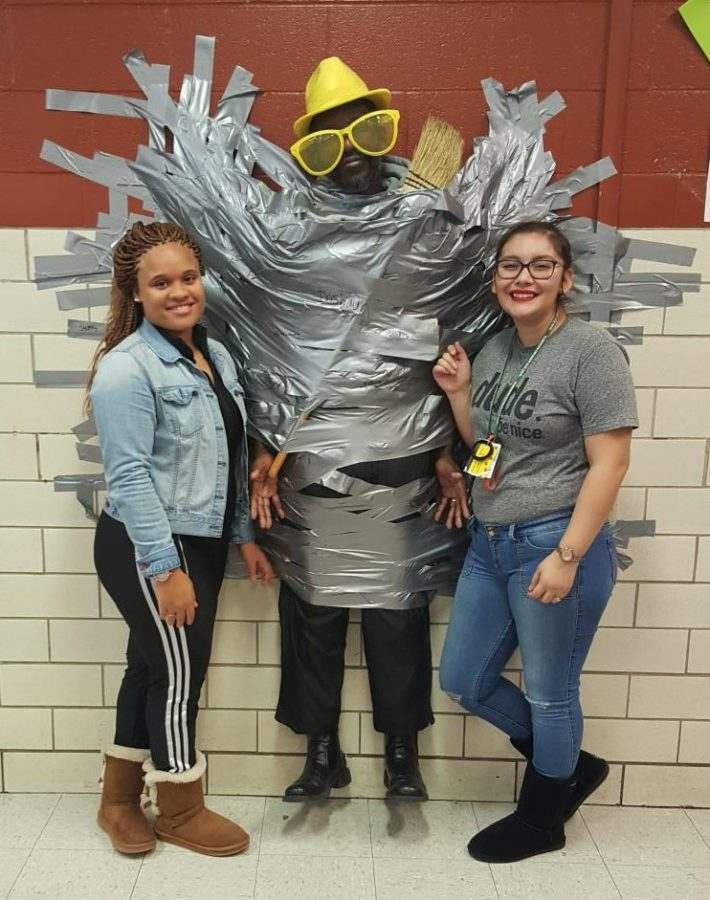 "Ritenour participates in ""duct tape challenge"""