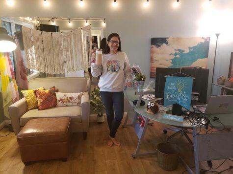 Quarantine Classroom Cribs - English teacher Melissa Monzyk