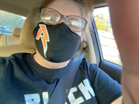Stop the Spread: RHS Teachers show support of wearing masks